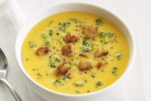 Суп-пюре с брокколи и сыром чеддер