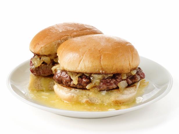 Фото Сливочный бургер с луком