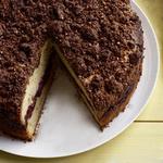 Вишнево-шоколадный кекс со штройзелем