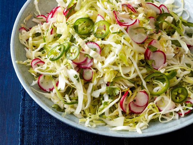 Фото Мексиканский салат из капусты с редисом