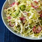 Мексиканский салат из капусты с редисом