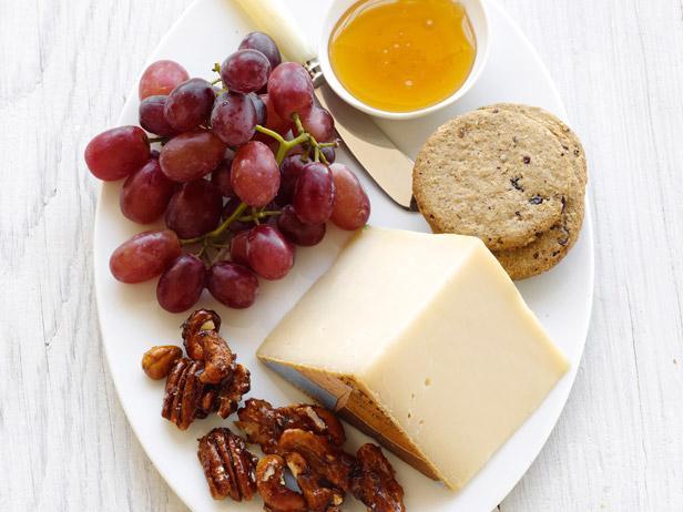 Вечерняя сырная тарелка