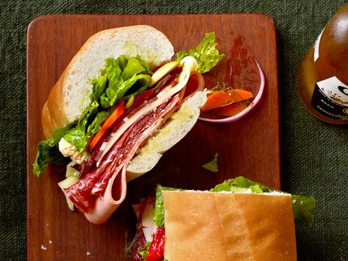 Фото Итальянский праздничный сэндвич