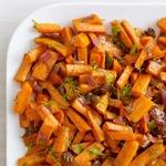Запеченная морковь с грецкими орехами