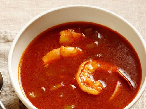 Томатный суп с креветками