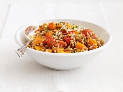 Фото Теплый салат из тыквы и зерен пшеницы
