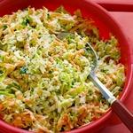 Сладкий салат из капусты, моркови, лука