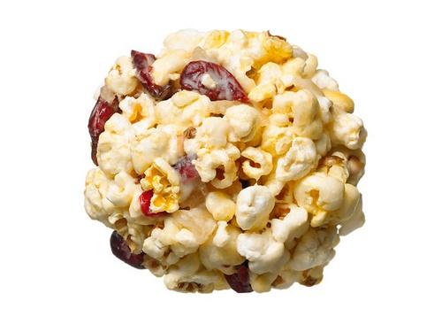 Фото Имбирно-клюквенные шарики из попкорна