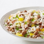 Салат с фасолью и рисом