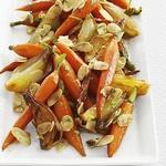 Тушеная морковь с глазированным луком-шалотом