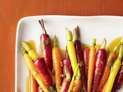 Морковь тушеная с кориандром