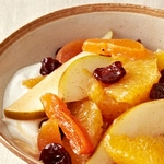 Пряный фруктовый салат из апельсинов и груш