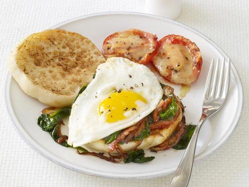 Сэндвичи с яичницей и шпинатом