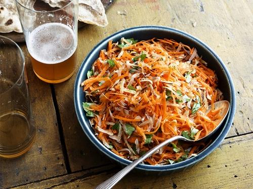 Фото Морковный салат с кокосом
