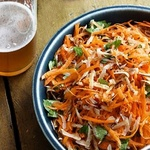 Морковный салат с кокосом