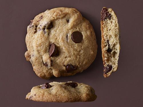 Фото Воздушное хрустящее печенье с шоколадом
