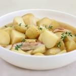 Тушеный картофель с тимьяном