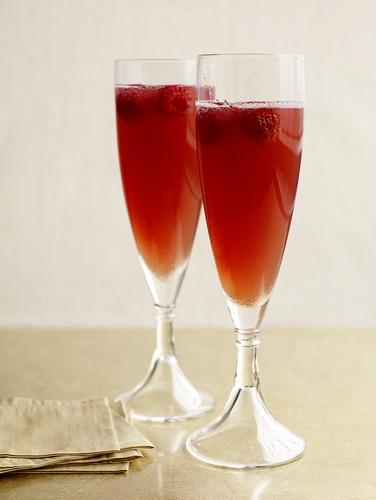 Коктейль «Малиновое шампанское»