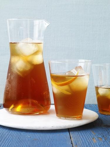 Фото Холодный чай с джином и кардамоном