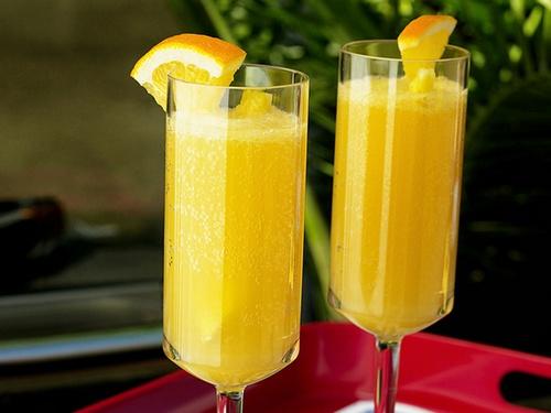 Коктейль «Апельсиново-ананасовая мимоза»