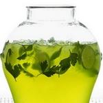 Освежающий травяной напиток