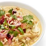 Суп карри с курицей, арахисом и маринованными овощами «Ачат»