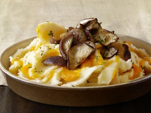 Картофельно-тыквенное пюре с грибами шиитаке