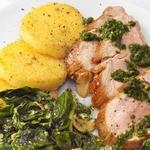 Запеченная свинина с полентой и соусом песто