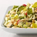 Салат с огурцами, редисом, горошком и нутом