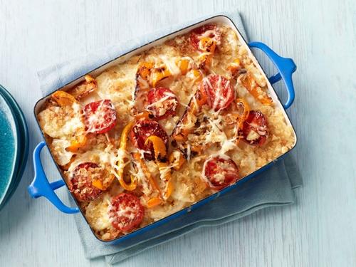 Картофельный гратен с помидорами и сладкими перцами