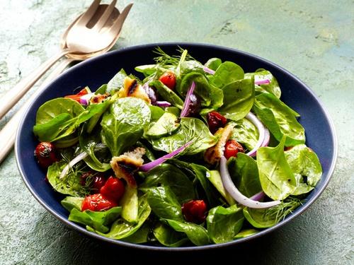 Салат из шампиньонов с огурцами и помидорами