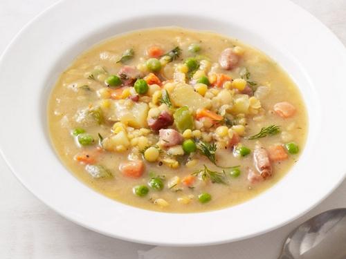 Суп с чечевицей, горохом и ветчиной