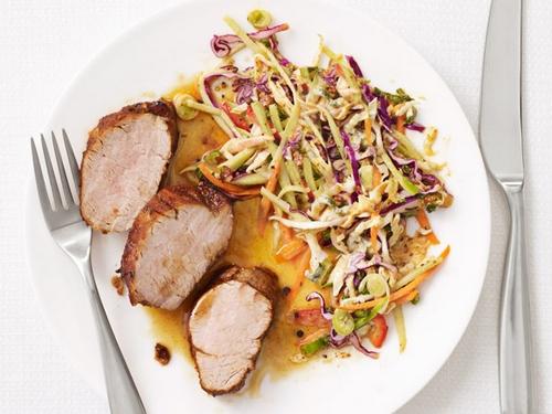 Фото Жареная свинина по-кажунски с капустным салатом