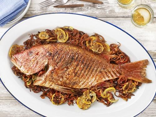 Рыба по-испански, жаренная на гриле