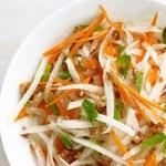 Салат из моркови и хикамы
