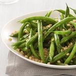 Салат с зеленой фасолью и пшеницей