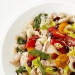 Теплый салат из фасоли с тунцом по-тоскански