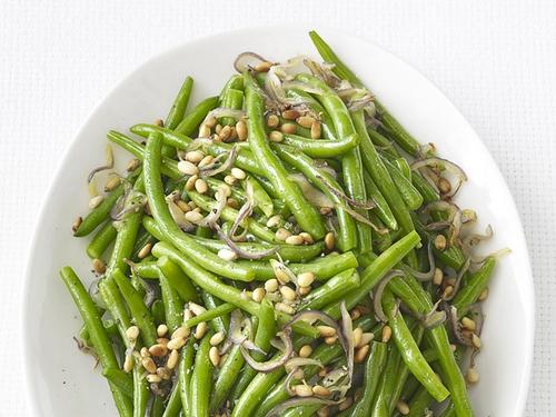 Зеленая фасоль с кедровыми орехами