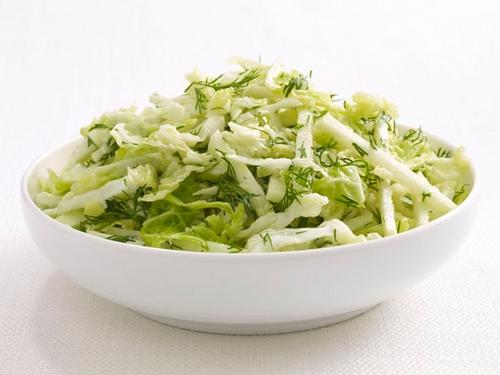 Салат из кольраби и савойской капусты