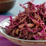 Салат из краснокочанной капусты с медово-цитрусовой заправкой