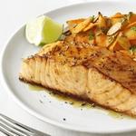 Глазированный лосось с пряной морковью