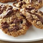 Овсяное печенье с зефиром, орехами и шоколадом