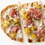Жаренная на гриле гавайская пицца
