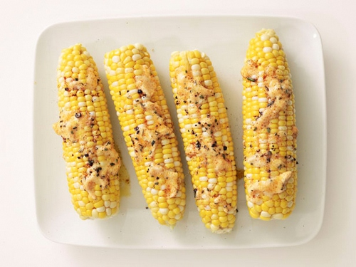 Кукуруза с пряным маслом