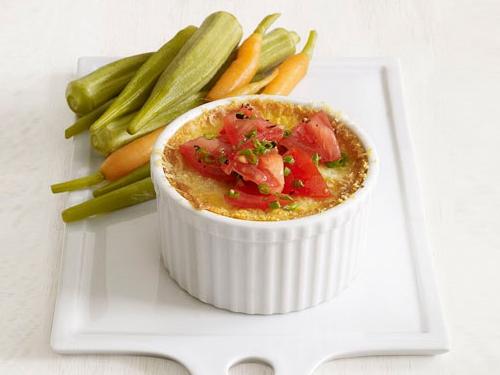 Кукурузное суфле с сыром и свежими помидорами