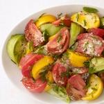 Томатный салат с горчично-медовой заправкой