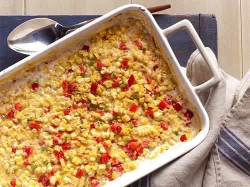 Кукуруза, запеченная со сливками и перцами