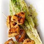 Куриные грудки и салат ромэн жареные на гриле