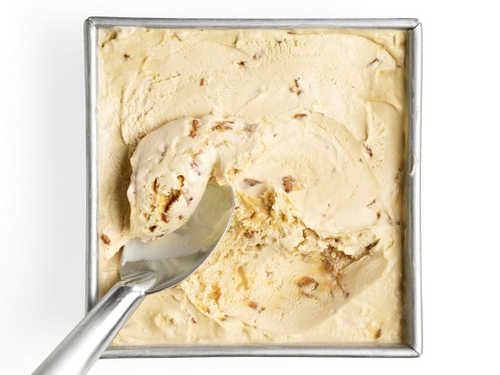 Кленовое мороженое с грильяжем и беконом