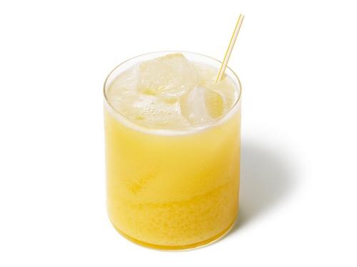 Фото Коктейль «Пинаколада» со свежим кокосовым молоком